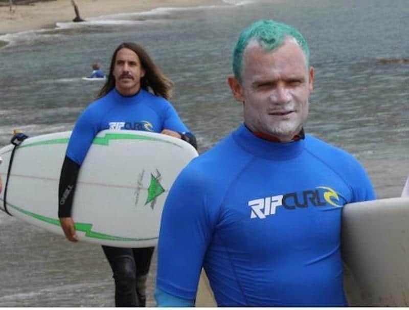 anthony-kiedis-surfing-surfride-anthony-kiedis-15482713-499-378