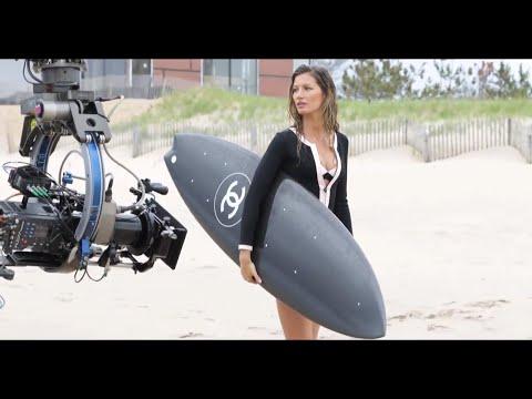 Gisele bundchen surfboard