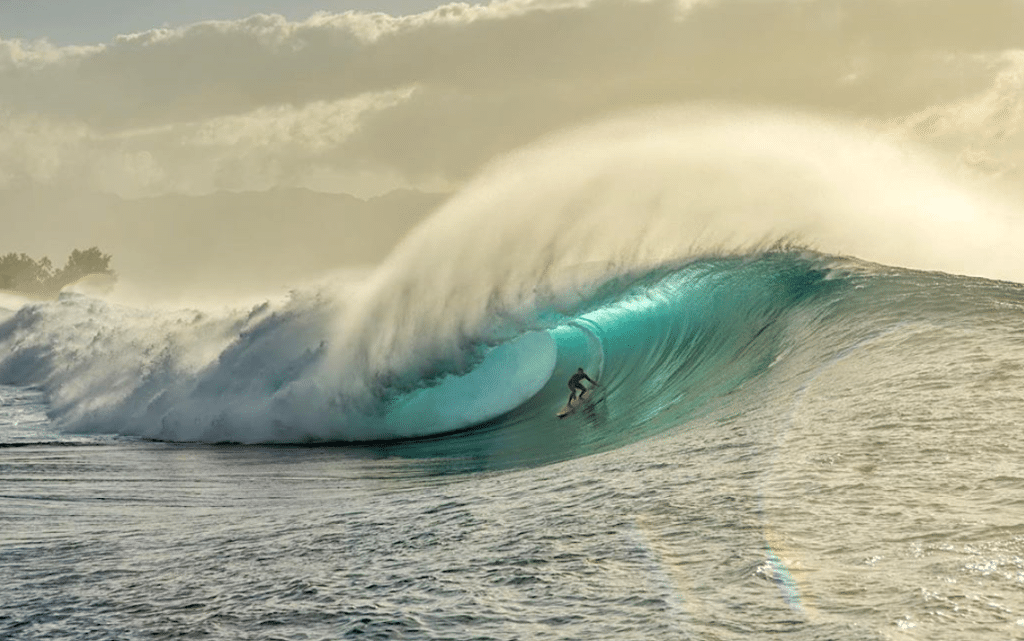 Kelly Slater Is This The Best Pipeline Shot Of All Time